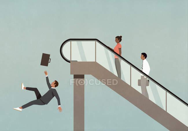 Бизнесмен падает с краю эскалатора — стоковое фото