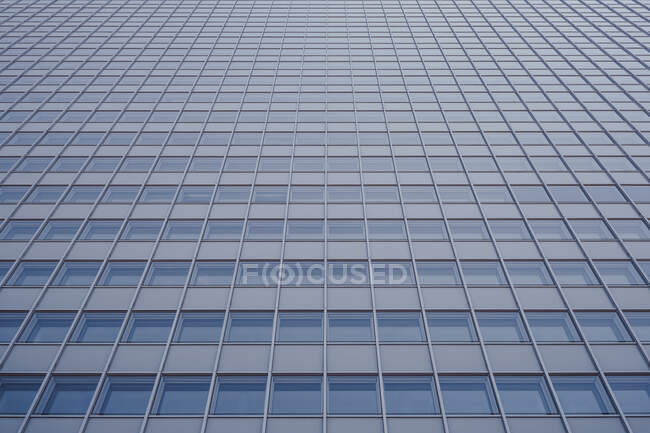 Low angle view highrise office windows, Duesseldorf, Germany — Stock Photo