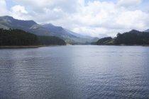 Blick auf den Munnar See vom Madupatti Damm, Munnar, Kerala, Indien — Stockfoto