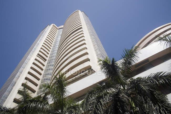 Бомбейская фондовая биржа здания; доля рынка; Бомбей Бомбей; Махараштра; Индия — стоковое фото