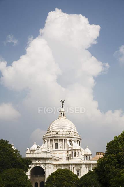 Виктория Мемориал впечатляющие напоминание Радж белая мраморная музей дома; Калькутта теперь Kolkata; Западная Бенгалия; Индия — стоковое фото