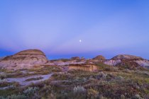 Evening stars over Dinosaur Provincial Park — Stock Photo