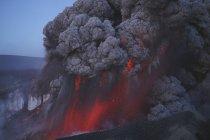 Eyjafjallajokull-Ausbruch im Gipfelkrater — Stockfoto