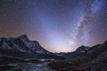 Чумацький шлях і зодіакального світла — стокове фото
