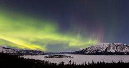 Aurora borealis au-dessus de l'île Bove — Photo de stock