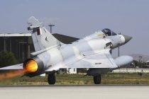 Türkei, Konya - 18. Juni 2014: dassault mirage 2000-5eda von qatar emiri air force beim abheben vom konya air base während der übung anatolischer adler 2014-2 — Stockfoto
