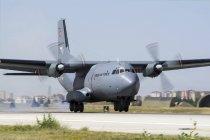 Turchia, Konya - 18 giugno 2014: Turkish Air Force atterraggio aerei Transall C-160 di trasporto alla Base aerea di Konya durante internazionale esercizio Anatolian Eagle 2014-2 — Foto stock