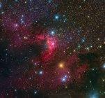 Cueva Nebulosa que forma la región en la constelación de Cefeo - foto de stock