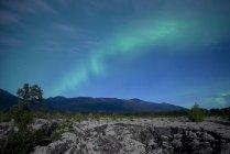 Аврора над лавы кровать, Новая Aiyansh, Британская Колумбия, Канада — стоковое фото