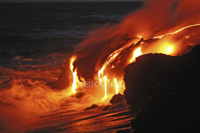 Kilauea lava flow sea entry — Stock Photo