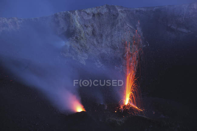 Stromboli eruption on Aeolian Islands — Stock Photo