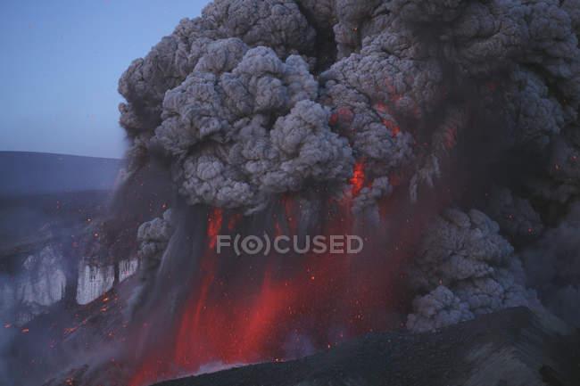 Eyjafjallajokull eruption in Summit crater — Stock Photo