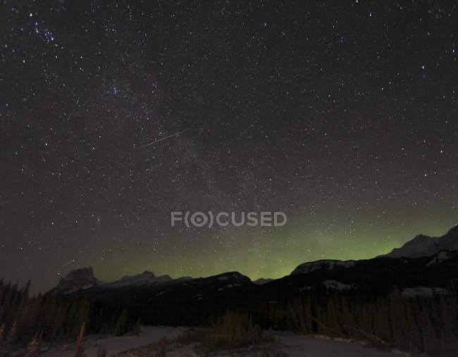 Квадрантид Метеор душ с Млечного пути — стоковое фото