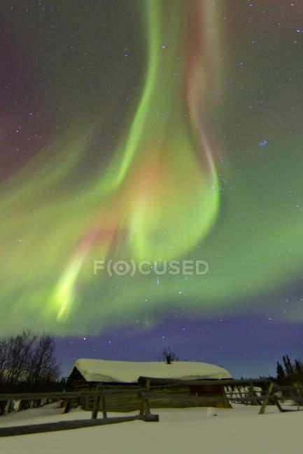 Aurora boreal y cinturón de Orión - foto de stock