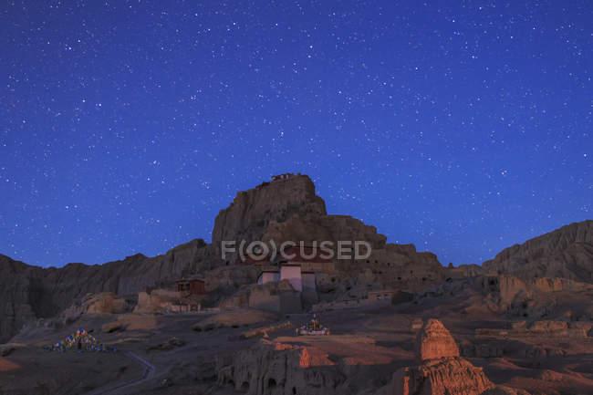 Ранкові сутінки над руїнами Guge Королівство — стокове фото