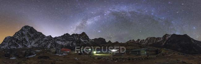 Галактики Чумацький шлях і зодіакального світла — стокове фото