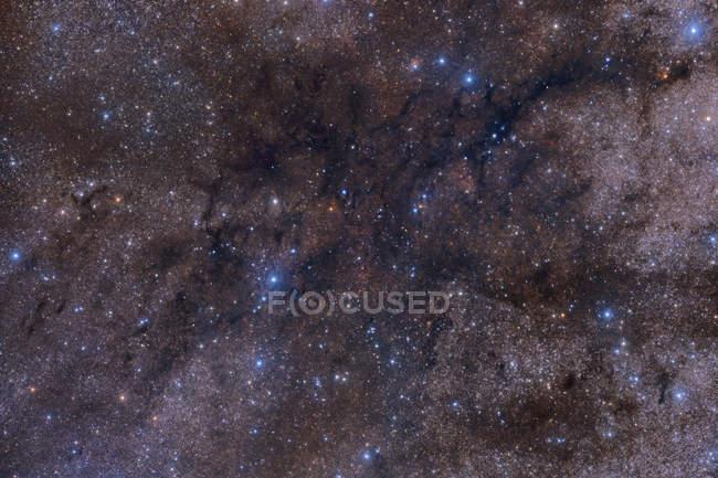Gran complejo de nebulosas oscuras - foto de stock