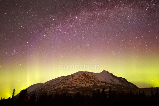 Aurora borealis with Comet Panstarrs — Stock Photo