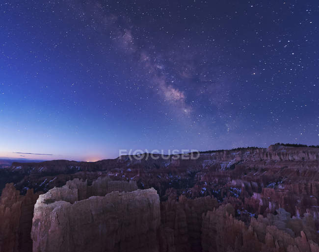 Milky Way over rock formations — Stock Photo