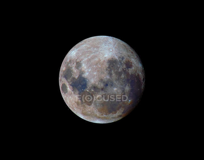 True colors of moon during 2010 perigee on black background — Stock Photo