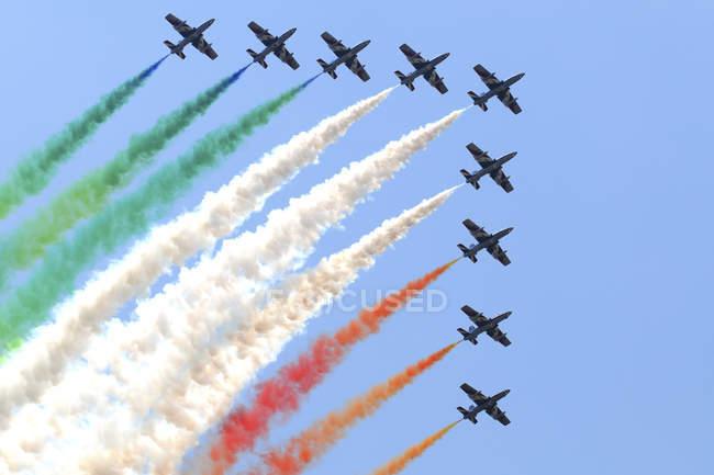 Türkei, Izmir Air Show - 4. Juni 2011: Italienische Luftwaffe aerobatic team Frecce Tricolori durchführen — Stockfoto