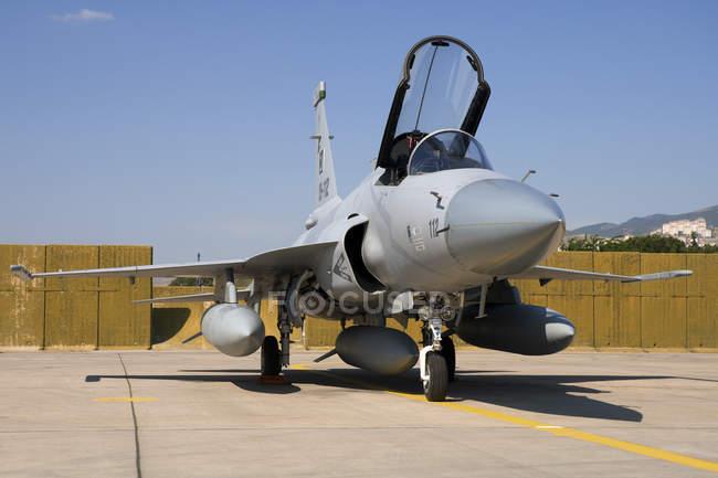 Turquia, Estação Aérea de Izmir - 5 de junho de 2011: Força Aérea do Paquistão JF-17 Thunder durante o centenário da Força Aérea Turca — Fotografia de Stock