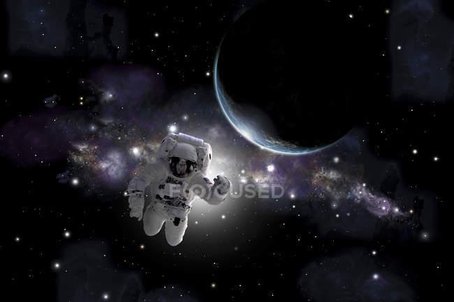 Астронавт плавающей вблизи землеподобные планеты в космосе — стоковое фото
