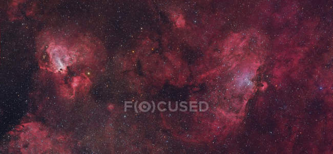 Туманность Орёл и туманность Лебедь в истинных цветах в высоком разрешении — стоковое фото