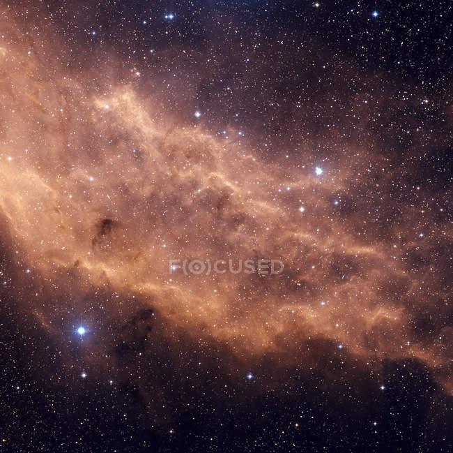 Nebulosa de California NGC 1499 ubicada en la constelación Perseo - foto de stock