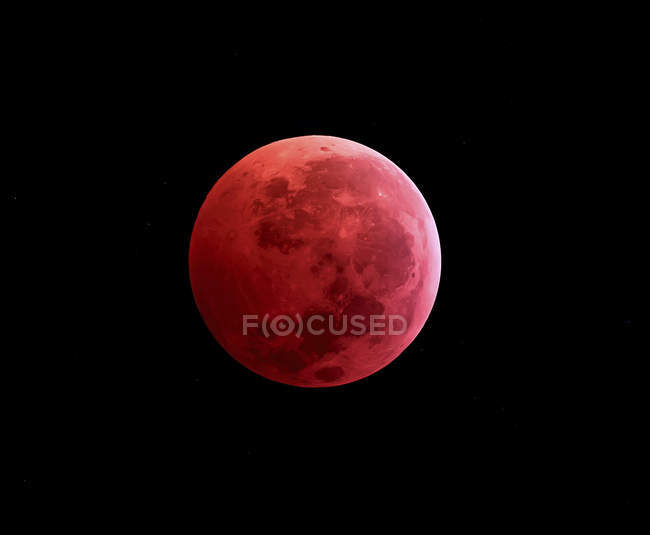 Total lunar eclipse taken in 2011 year in high resolution — Stock Photo