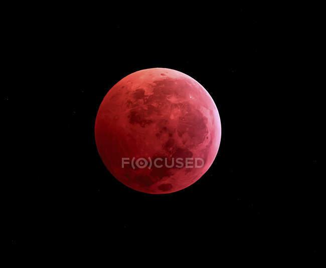 Eclipse lunar total tomado en 2011 año en alta resolución - foto de stock