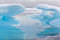 Vista panorámica de hielo en el estrecho de Barrow, Qikiqtaaluk región, Nunavut, Canadá - foto de stock