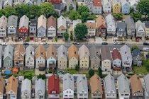 Vista aérea de ruas residenciais no subúrbio de Nova Iorque, Nova Iorque, Estados Unidos da América — Fotografia de Stock