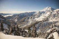 Mont Baker et le désert environnant pendant l'hiver à Washington — Photo de stock