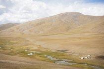 Blick auf Nomaden camp und trostlose Landschaft in Ladakh, Indien — Stockfoto