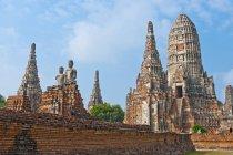 Ancient temple of Wat Chaiwatthanaram in Ayutthaya — Stock Photo