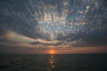Pôr do sol Baía da Flórida sobre o Parque Nacional de Everglades — Fotografia de Stock