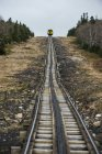 Train heading up the tracks toward the summit of Mount Washington — Stock Photo