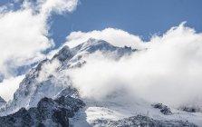 Вид на горнолыжный курорт Grands Montets и пик la Petite Verte — стоковое фото