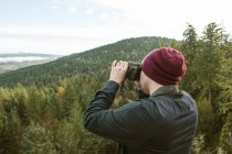 Photographer Taking Pictures In The Thurston Hills Natural Area In Springfield Oregon — Stock Photo