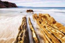 Vila de praia do Zumaia em Euskadi, País Basco, Espanha, Europa — Fotografia de Stock