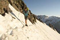 A Female Hiker Hiking On Blaine Peak Below Mount Sneffels In Colorado — Stock Photo