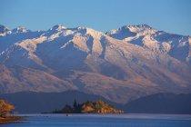Vista panorâmica do lago Wanaka, durante a manhã na Nova Zelândia — Fotografia de Stock