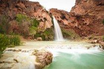 Esposizione lunga di Havasu Falls nel Grand Canyon — Foto stock