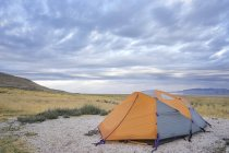 Campeggio affacciato sul Great Salt Lake Antelope Island Utah — Foto stock