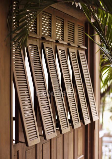 Exterior shot of French style shutters at La Residence dAngkor, Siem Reap, Cambodia — Stock Photo