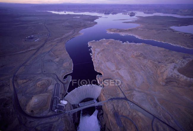Vista aérea de Glen Canyon Dam e Lago Powell, Arizona — Fotografia de Stock