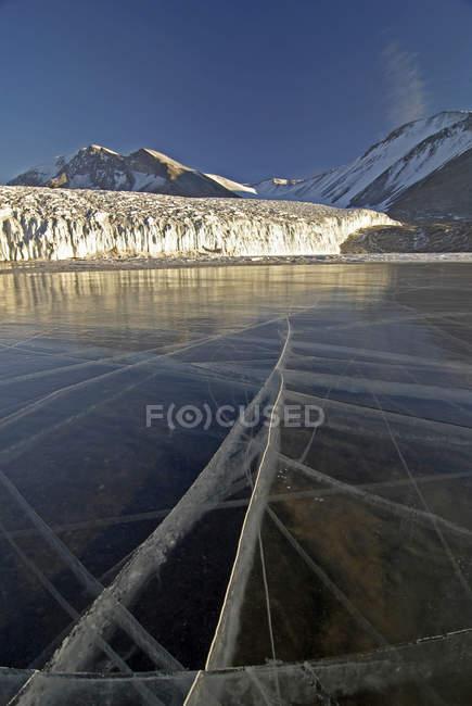 Зніміть льодовикового озера Fryxell, викликані змінами в температурі, Канада, льодовик — стокове фото