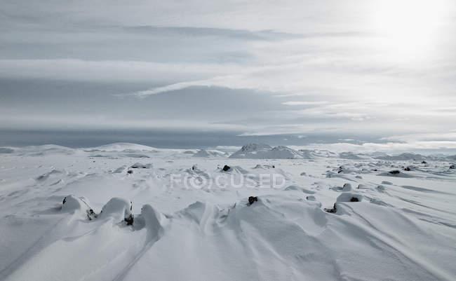 Живописный вид горного хребта на Fjallabak в зимний период — стоковое фото