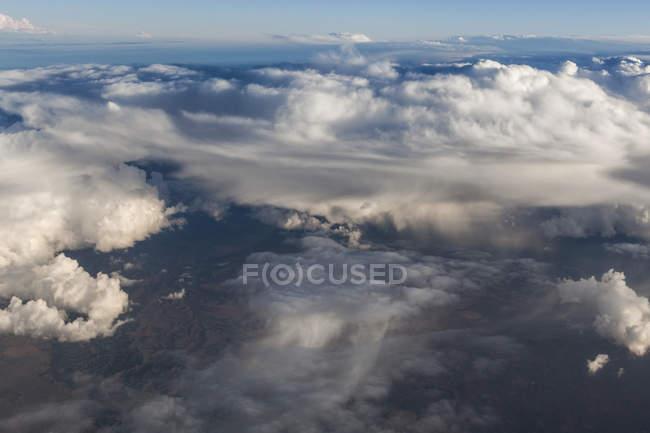Drammatiche le nubi di tempesta sopra le pianure dell'est del Colorado — Foto stock